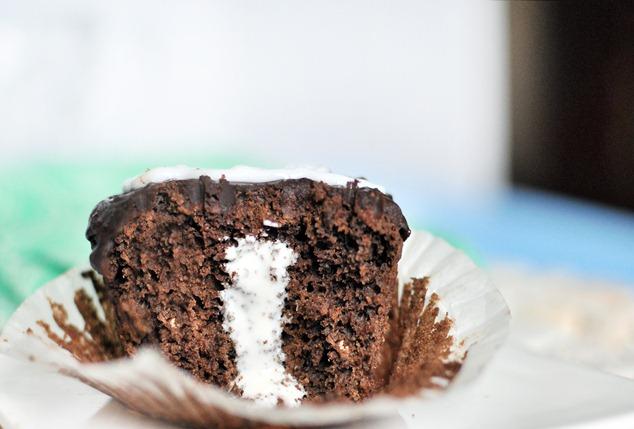 creme filled cupcake