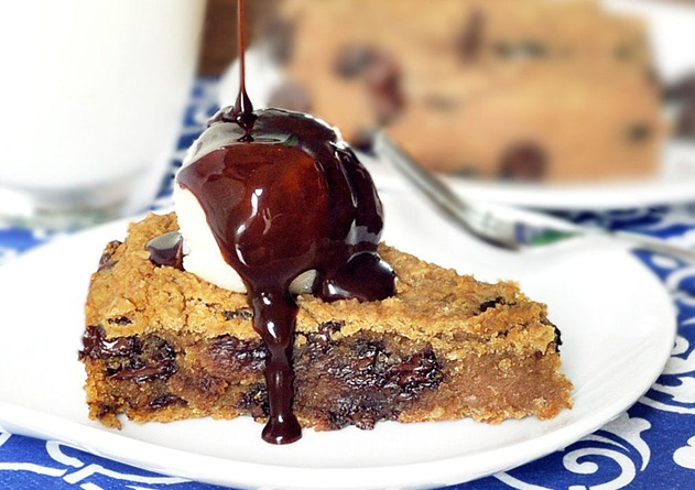 chocolate-chip-cookie-pie1