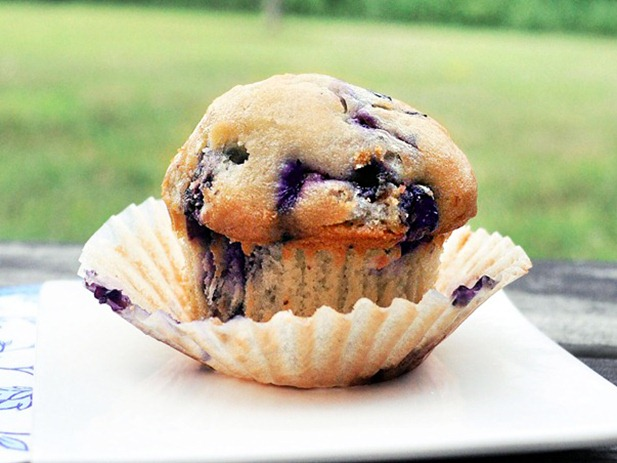 blueberry muffin for one