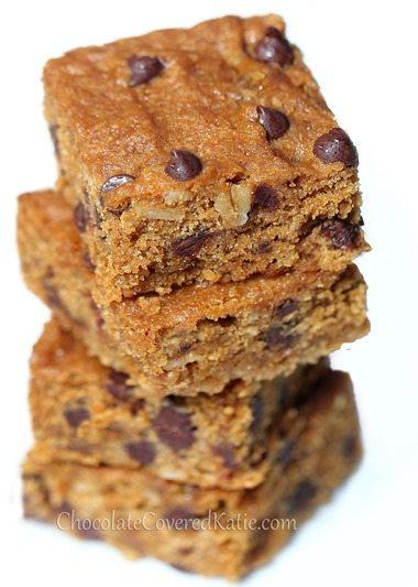 Gooey Chocolate Chip Molasses Bars