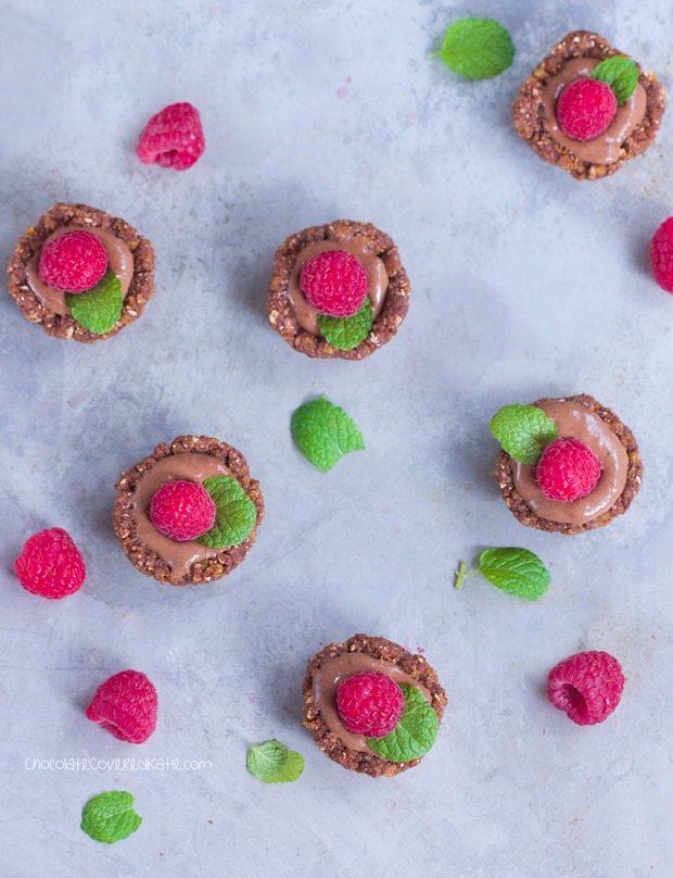 Gluten-free / soy-free / sugar-free / dairy-free / paleo + vegan! Full recipe link: http://chocolatecoveredkatie.com/2015/07/06/raw-chocolate-dessert-ice-cream/