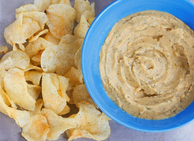 So crazy how much this hummus really does taste just like Cool Ranch Doritos! Recipe link: https://chocolatecoveredkatie.com/2015/05/28/cool-ranch-hummus/