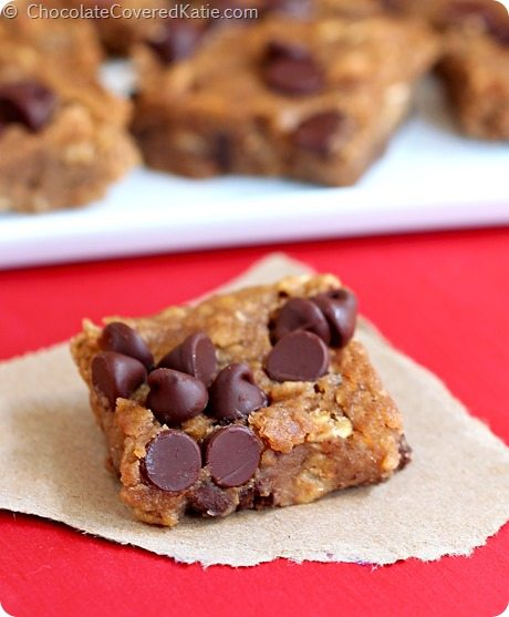 Flourless / NO oil / extra fudgy #vegan nutella chocolate chip blondies - (70 calories) http://chocolatecoveredkatie.com/2014/09/23/nutella-chocolate-chip-blondies/ @choccoveredkt