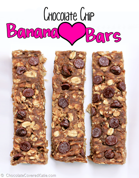 Wholesome chocolate chip granola bars from @choccoveredkt, sweetened naturally without any added sugar or oil. High in fiber and potassium + with a surprisingly high amount of protein! Full recipe: http://chocolatecoveredkatie.com/2014/09/18/sugar-free-granola-bars/