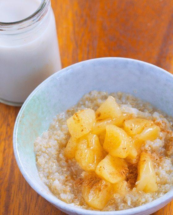 Apple Quinoa Breakfast Bowls – from @choccoveredkt… 1/2 cup quinoa, 1/2 tsp cinnamon, 1 large apple, 1/4 tsp vanilla extract… Full recipe: http://chocolatecoveredkatie.com/2015/11/09/apple-quinoa-breakfast-bowls/