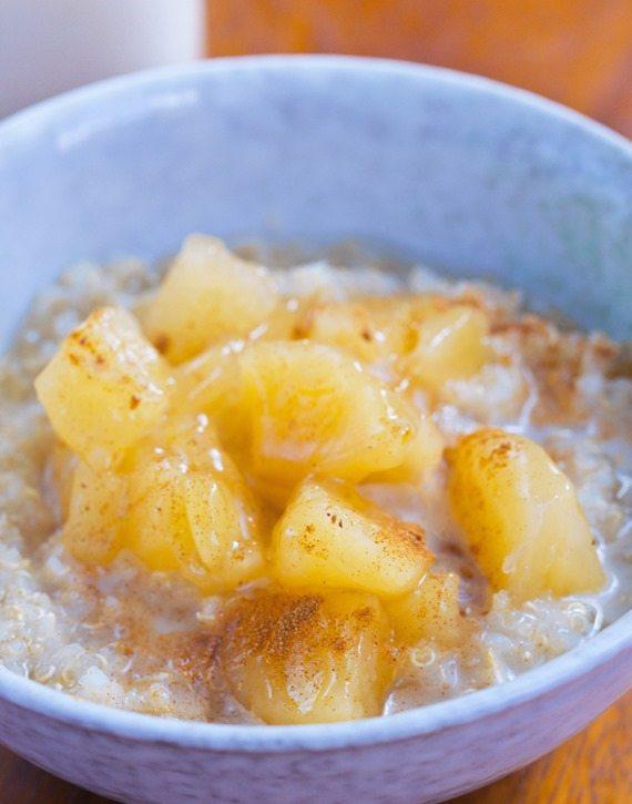Apple Pie Breakfast Quinoa – from @choccoveredkt… 1/2 cup quinoa, 1/2 tsp cinnamon, 1 large apple, 1/4 tsp vanilla extract… Full recipe: http://chocolatecoveredkatie.com/2015/11/09/apple-quinoa-breakfast-bowls/