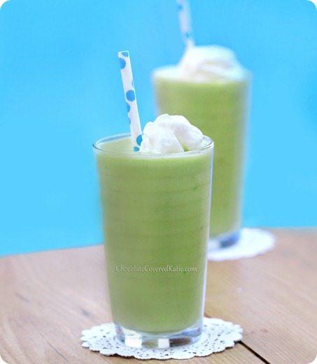 How To Use Avocado For A Healthy Breakfast Shake That Tastes Exactly Like A Vanilla Milkshake (Seriously) http://chocolatecoveredkatie.com/2013/09/23/avocado-smoothie/