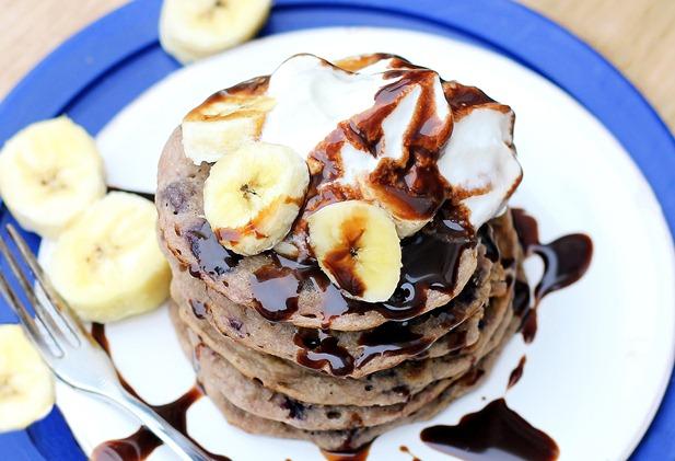 banana split pancakes