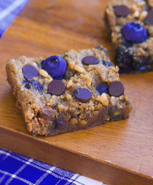 bars... like the lovechild of a chocolate chip cookie and a blueberry ...