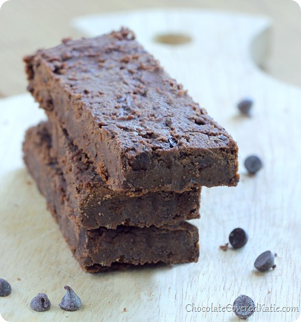Homemade Protein Bars - EASY to make chocolate #protein bars w/out the unhealthy processed ingredients: http://chocolatecoveredkatie.com/2013/10/08/fudge-brownie-chocolate-protein-bars/ @choccoveredkt