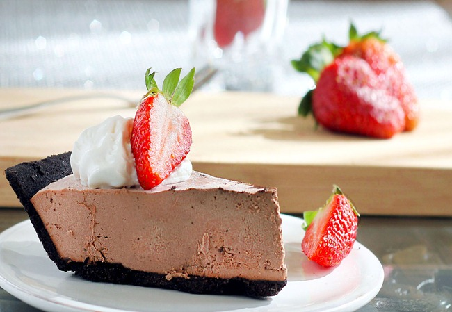 chocolate strawberry pie