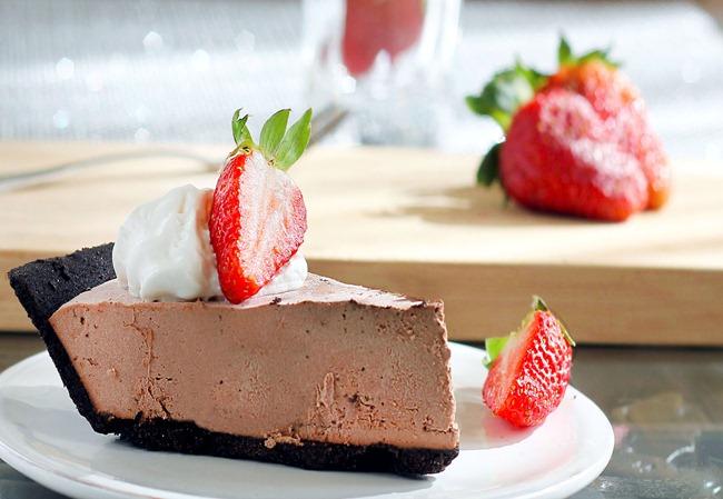 chocolate strawberry pie
