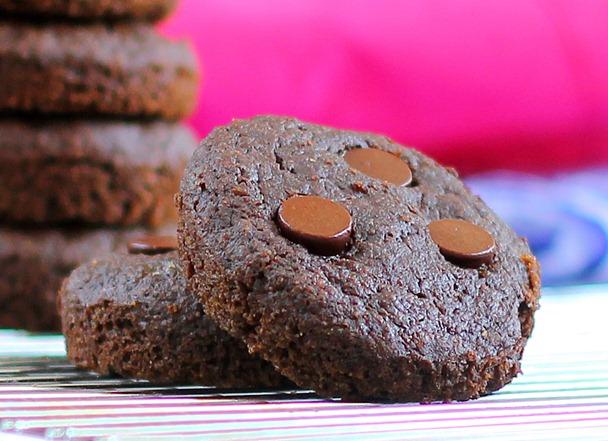 Copycat Chocolate VitaTop muffins.