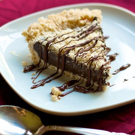 Samoas Girl Scout Cookie Pie: http://chocolatecoveredkatie.com/2013/03 ...