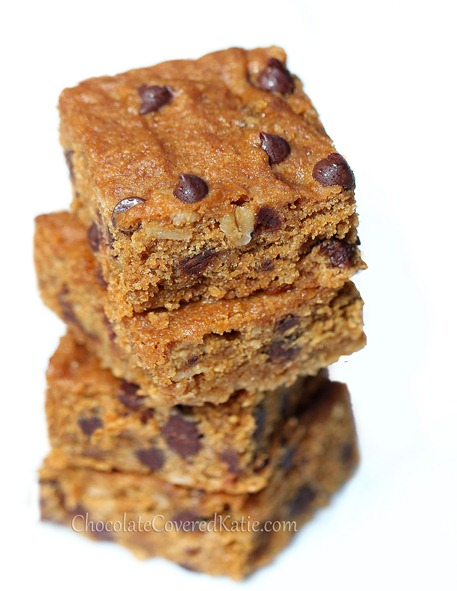 Easy to make / people always ask me for the recipe... Oats, chocolate chips, vanilla, salt, and a secret addition of molasses http://chocolatecoveredkatie.com/2014/02/10/oatmeal-chocolate-chip-cookie-bars/ @choccoveredkt