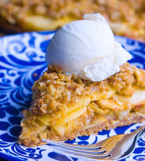Flaky homemade pie crust, sweet cinnamon apples, and buttery oatmeal crumble – This homestyle Dutch apple pie is good beyond words! http://chocolatecoveredkatie.com/ @choccoveredkt