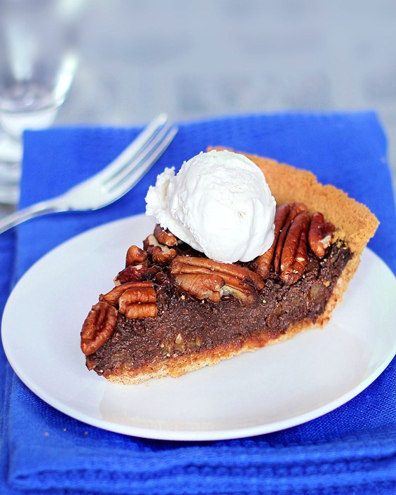 Impossible Healthy Pecan Pie - NO Butter, and NO Corn Syrup!... Full recipe: http://chocolatecoveredkatie.com/2011/11/28/healthy-chocolate-pecan-pie/ @choccoveredkt
