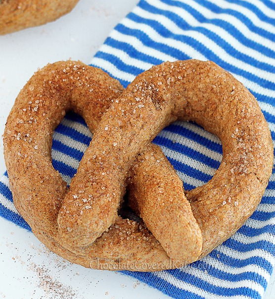 Easy recipe for homemade soft pretzels just like the ones from Auntie Anne's: http://chocolatecoveredkatie.com/2013/04/15/recipe-homemade-auntie-annes-soft-pretzels/