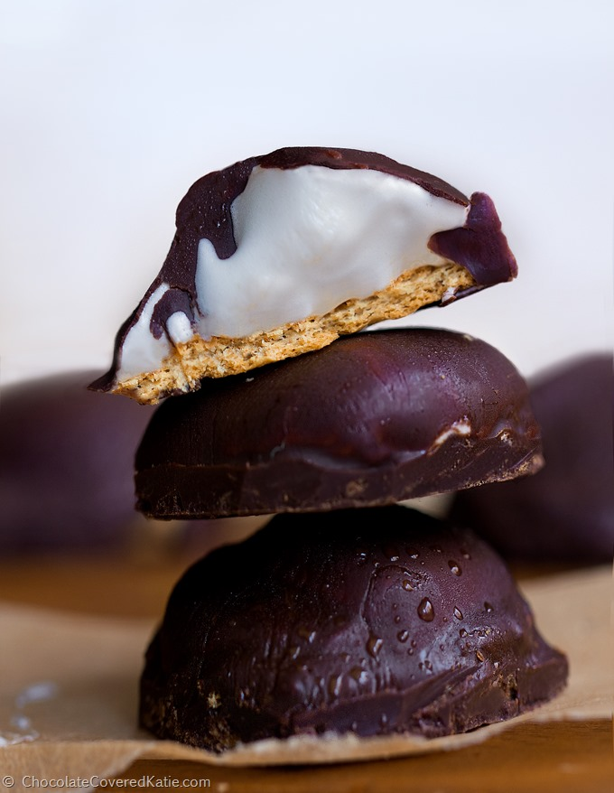 3 ingredients / no corn syrup / no artificial flavors http://chocolatecoveredkatie.com/2015/05/14/homemade-healthy-mallomars/