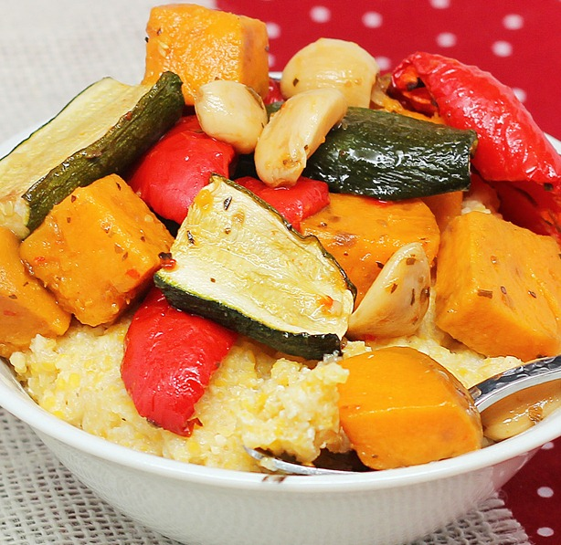 How to roast vegetables... in your slow cooker! https://chocolatecoveredkatie.com/2013/01/10/how-to-roast-vegetables-in-the-slow-cooker/