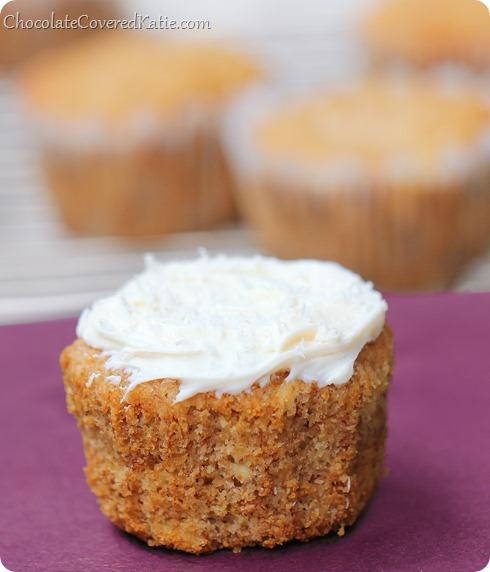 Hummingbird Cupcakes: http://chocolatecoveredkatie.com/2014/03/24 ...