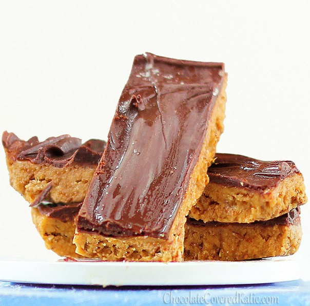People have left comments proposing marriage to these candy bars... That's how good they are!... from @choccoveredkt... Full recipe: http://chocolatecoveredkatie.com/2012/10/18/healthy-butterfingers/