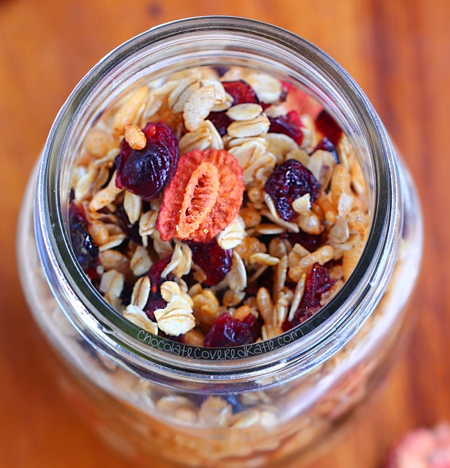 Healthy granola recipe you can make in different flavors that can be oil-free, gluten-free, dairy-free, & completely free of refined sugars. Recipe here: https://chocolatecoveredkatie.com/2015/04/09/low-fat-granola/