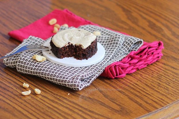 1 Minute Chocolate Peanut Butter Cake
