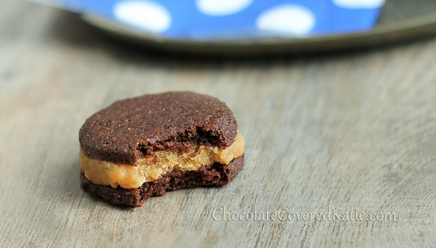 peanut butter stuffed oreos