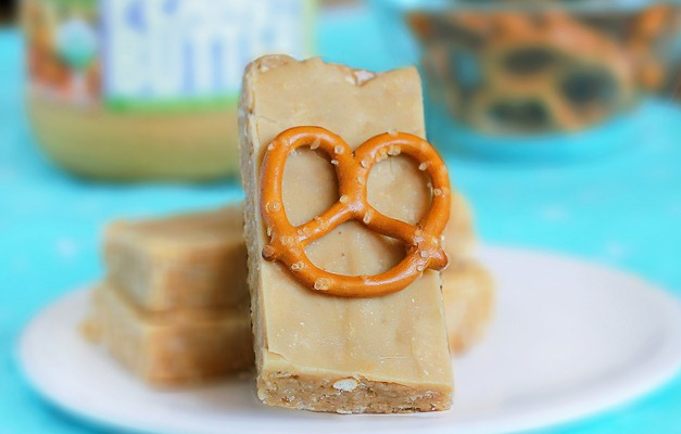 peanut butter luna bars
