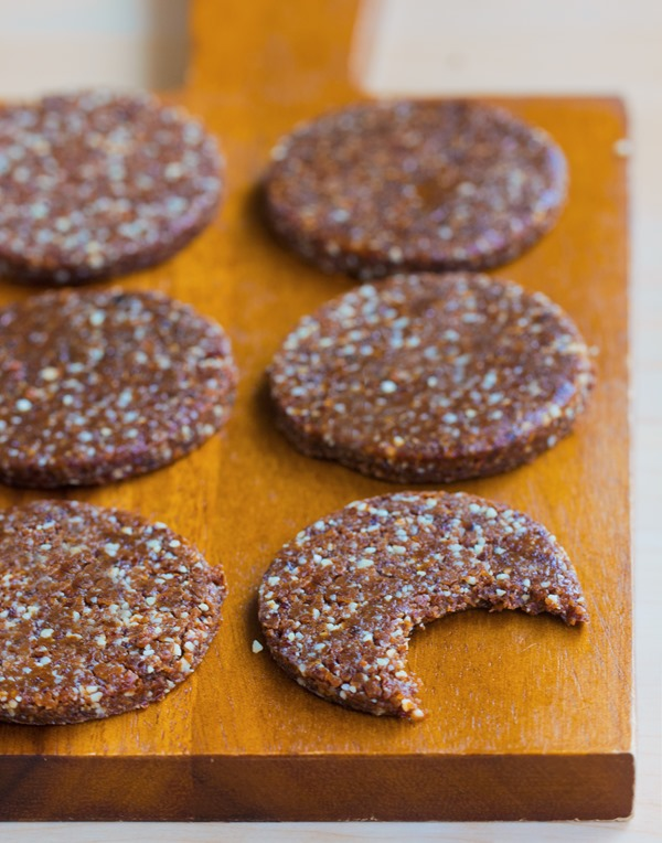 Peanut Butter Protein Cookies – Ingredients: 1/2 cup peanut butter, 1/4 cup protein powder, 1 tsp vanilla, 1/2 tsp… Full recipe: http://chocolatecoveredkatie.com/2015/12/14/peanut-butter-protein-cookies-vegan/ @choccoveredkt