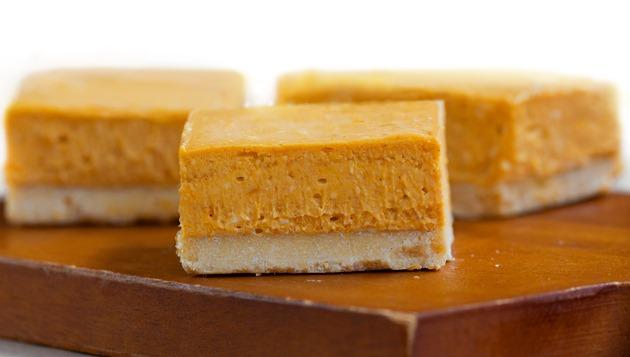 Pumpkin Cheesecake Bars - LOVE!