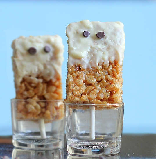 Spooky Peanut Butter Rice Krispy Treats -   NO corn syrup or sugar-filled marshmallows... healthier take on the classic childhood snack... @choccoveredkt... It is a not-so-scary Halloween treat you can feel GOOD about making for your whole family! http://chocolatecoveredkatie.com/2012/10/21/spooky-peanut-butter-rice-krispy-treats/