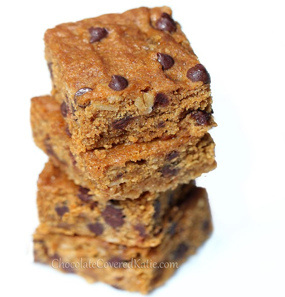 Gooey Chocolate Chip Molasses Bars