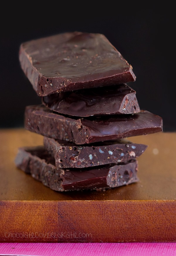 Low in calories & high in antioxidants, these ridiculously addictive superfood chocolate bars are a chocoholic's dream come true! http://chocolatecoveredkatie.com/2015/05/11/superfood-chocolate-bars/