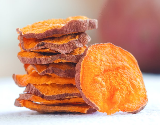 So ADDICTIVE… and they are baked and crispy, not soggy! These were impossible to stop eating… @choccoveredkt. Satisfies your potato chip craving in a much healthier way: http://chocolatecoveredkatie.com/2015/10/29/crispy-baked-sweet-potato-chips/