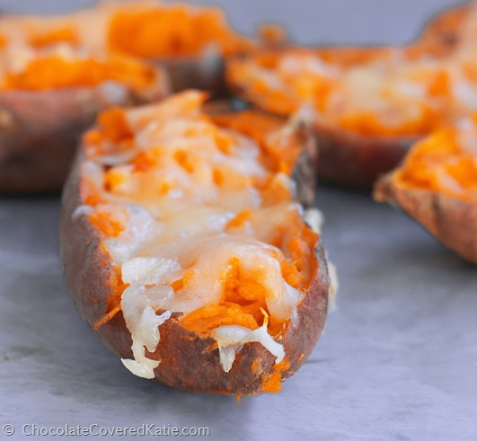 Irresistibly crispy and cheesy, the perfect healthy appetizer for parties, they are completely addictive! Very easy to make, in just a few steps: http://chocolatecoveredkatie.com/2015/01/22/loaded-baked-sweet-potato-skins/