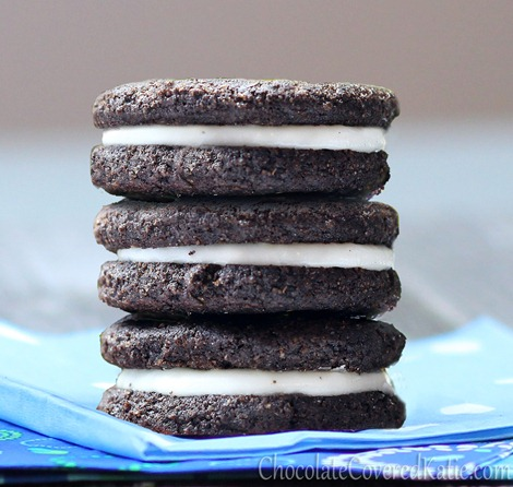 How to make your own Oreos without trans fat, artificial flavors, or corn syrup http://chocolatecoveredkatie.com/2012/10/24/healthy-oreos/